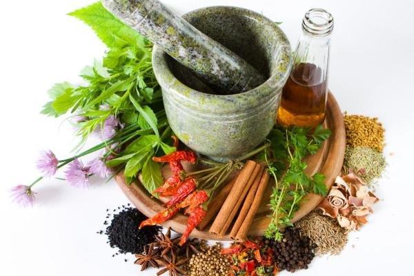 دهانشویه های ساده گیاهی و طبیعی در طب سنتی