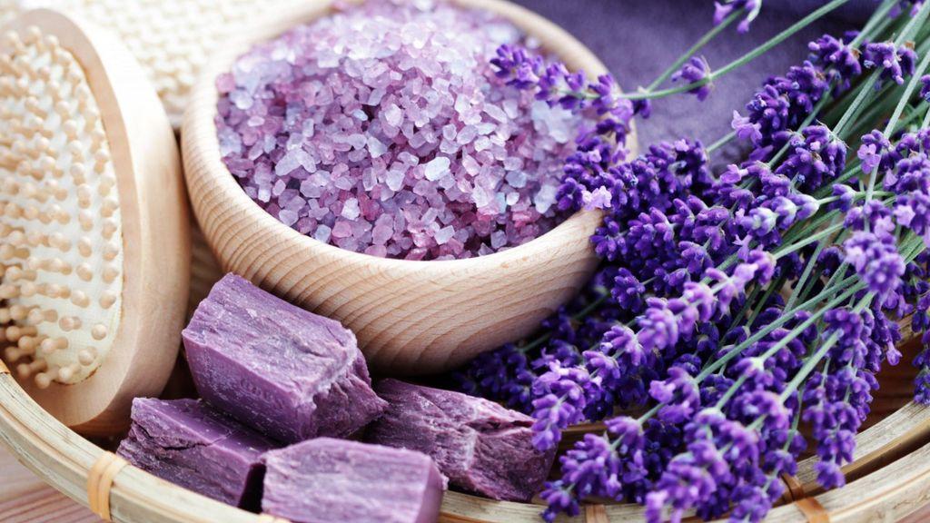 فواید درمانی اسطوخودوس در طب سنتی